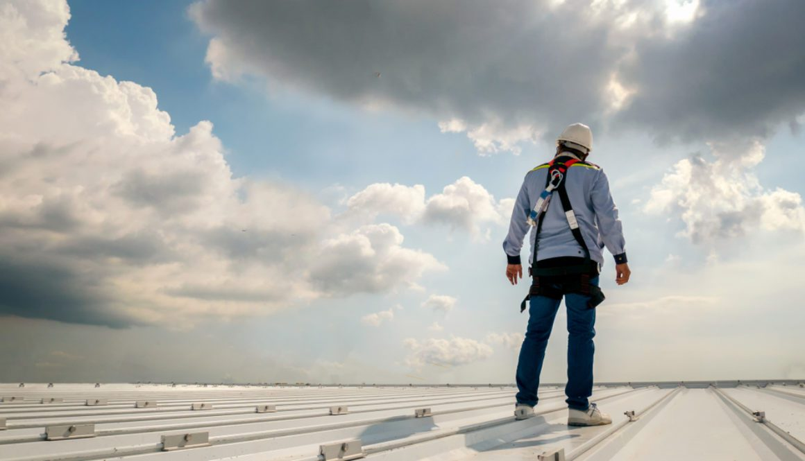 Roles and Responsibilities of a Roofing Contractor